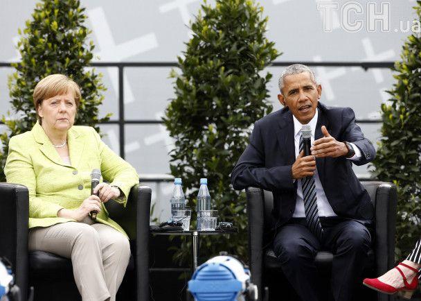 Популярный, как рок-звезда. Обаму тепло встретили в Берлине