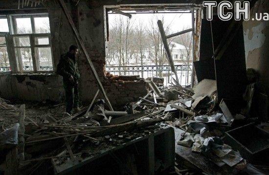 Поранений український військовий та гаряча Красногорівка. Дайджест АТО