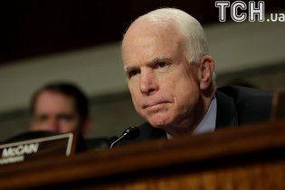 Маккейн с решающим голосом для отмены Obamacare перенес операцию