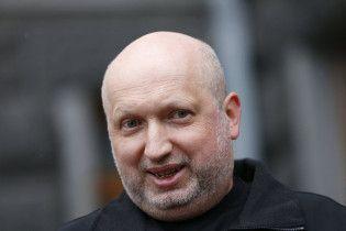 Когда Москву возьмем: Турчинов иронично ответил на вопрос относительно окончания войны на Донбассе