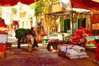 Дізнайтесь, що подивитись і чого остерігатись на ринку в Хургаді
