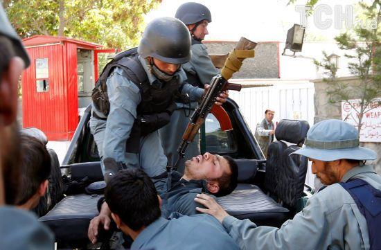 У Кабулі поліція відкрила вогонь по протестувальниках, які йшли до президентського палацу