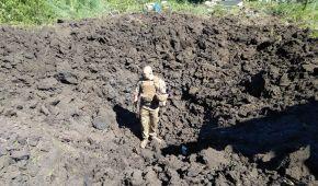 Бойовики в зоні АТО не дають підняти голову з окопу: військовим доводиться міняти позиції