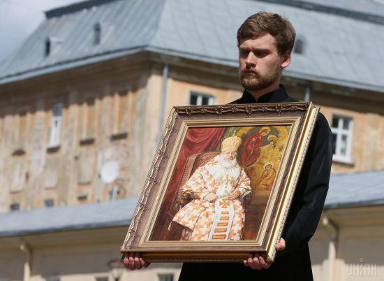 Прощання з Любомиром Гузаром у Києві: онлайн-трансляція