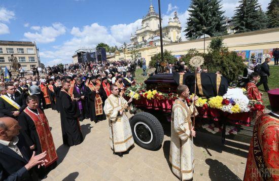 Останній день блаженнішого у Львові: рідне місто простилося з Любомиром Гузаром оплесками