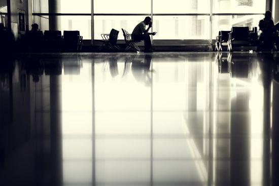 Не дочекався. Нідерландець потрапив до лікарні, просидівши в аеропорту 10 днів заради подруги з Мережі