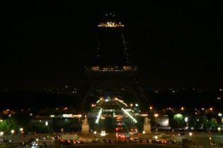 На Ейфелевій вежі загасять вогні на знак поваги до жертв терактів в Тегерані