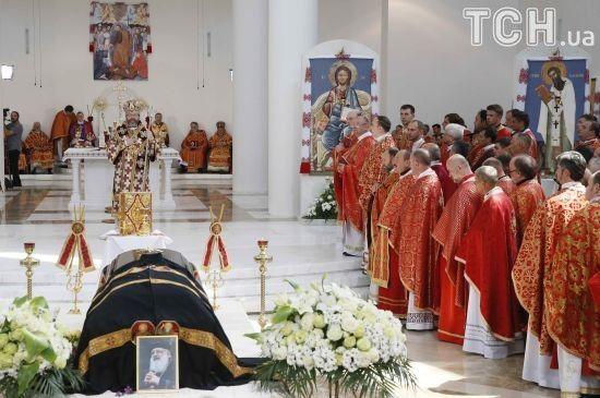 Останній спочинок у Патріаршому соборі. У Києві поховали Любомира Гузара
