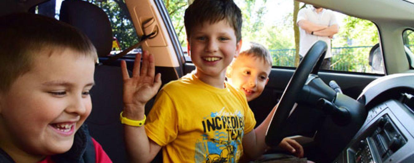 В Мариуполе 7-летний мальчик позвонил в полицию из-за ссоры на детской площадке