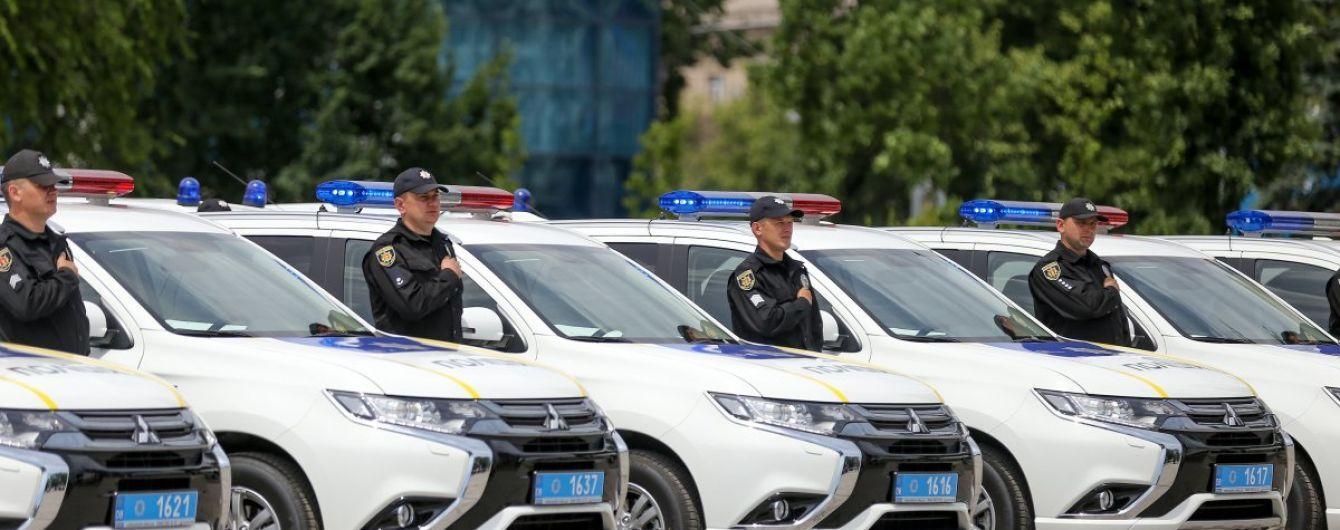 Поліцейські у Запоріжжі отримали понад півсотні нових Mitsubishi Outlander