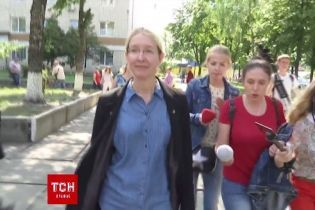 Супрун втекла від журналістів через запитання про сироватку від ботулізму