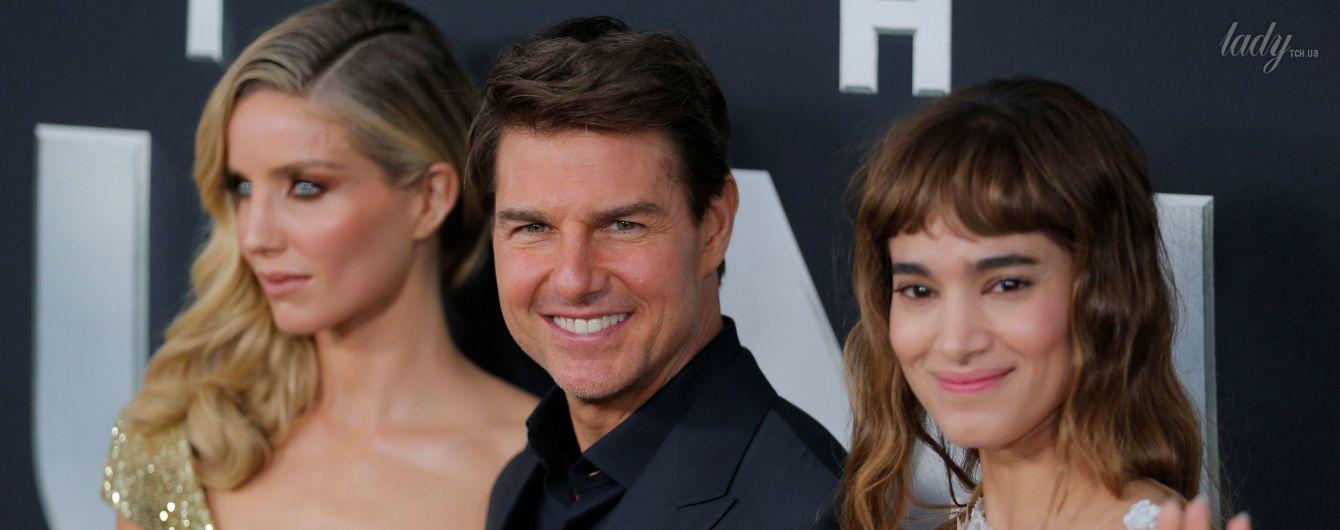 Обаятельный Том Круз пришел на премьеру фильма с красотками в эффектных платьях