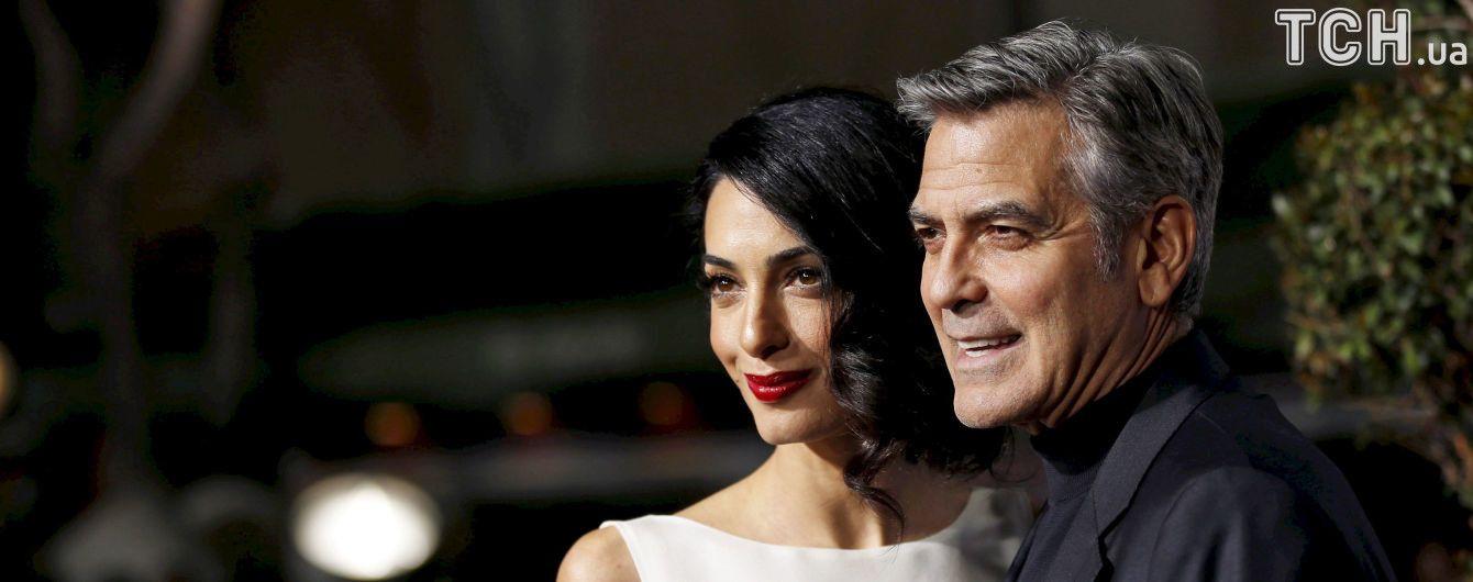 Двойняшки Джорджа и Амаль Клуни появились на свет в королевской клинике Лондона