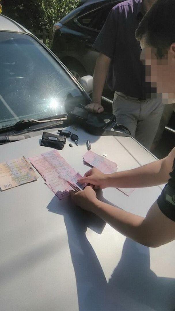 В Черкассах СБУ поймала собственного сотрудника на взятке в 75 тыс. грн