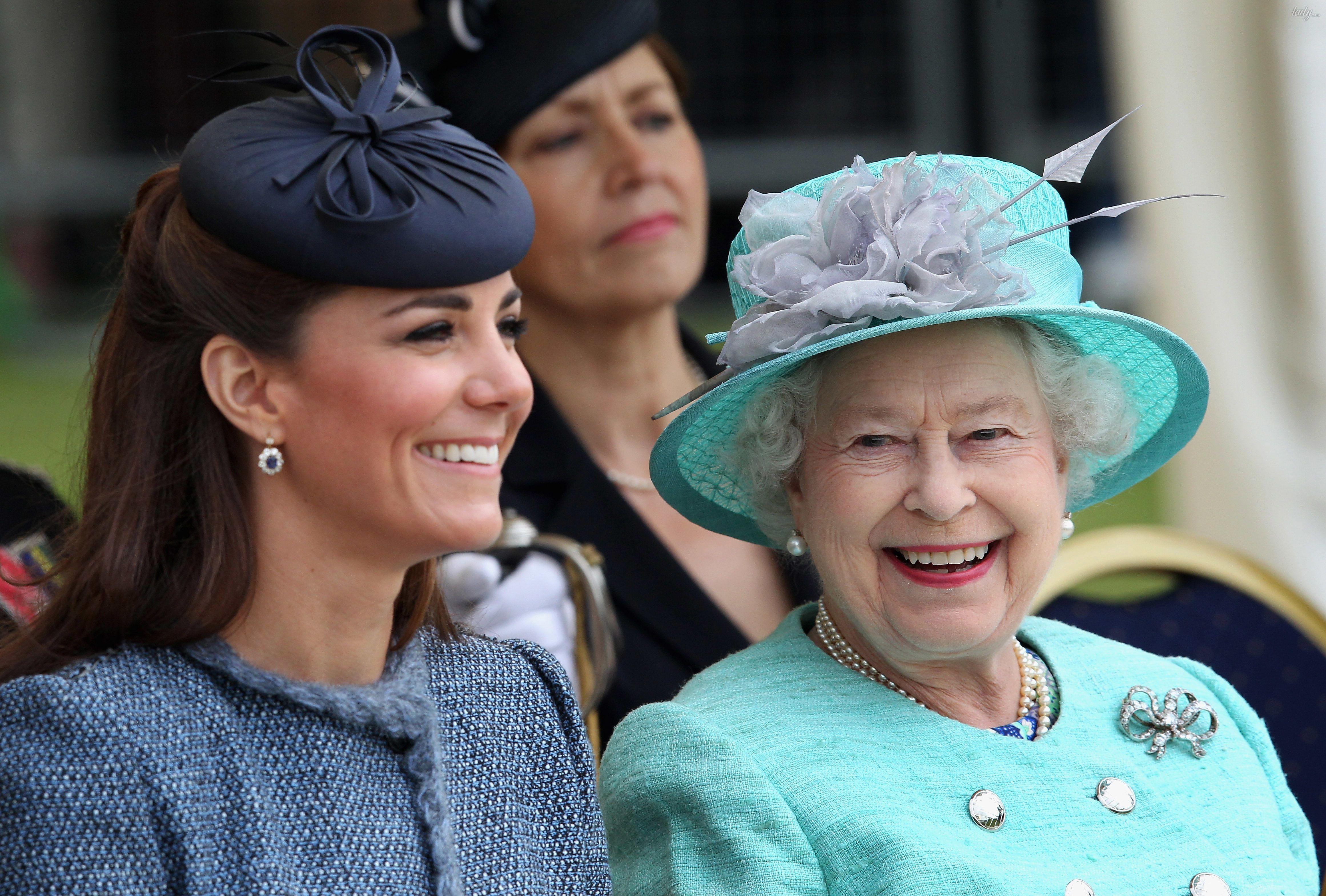 Герцогиня Кембриджская и королева Елизавета II_2