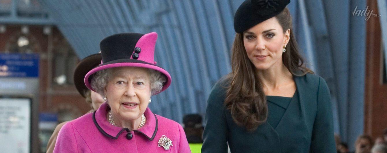 Во дворце назревает конфликт: герцогиня Кембриджская не прислушивается к мнению королевы Елизаветы II