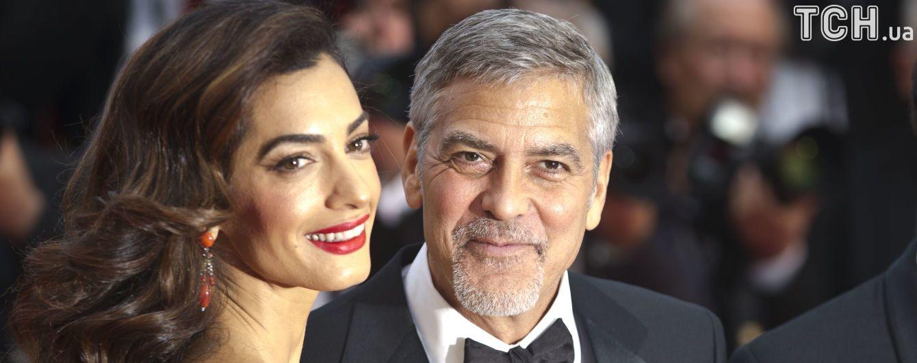 Батько Джорджа Клуні описав зовнішність новонароджених онуків