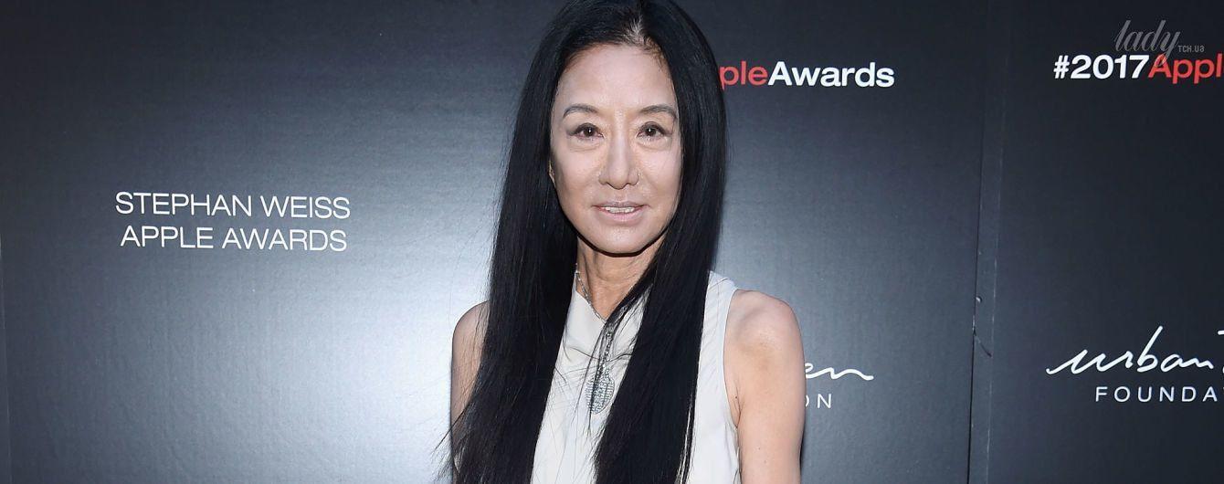 В необычном платье и на огромных каблуках: 67-летняя Вера Вонг продемонстрировала новый образ