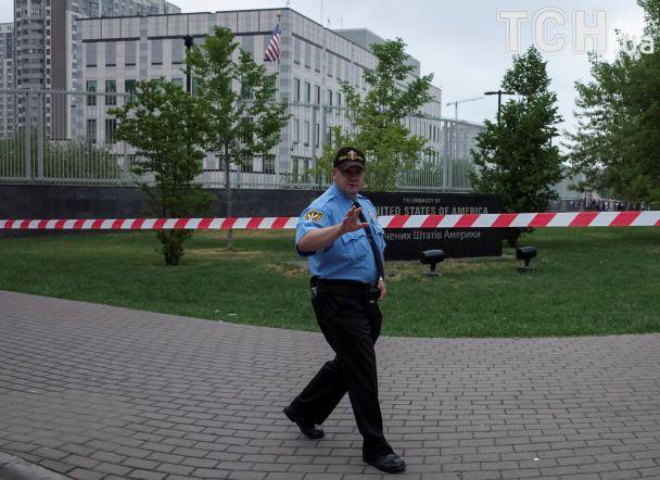 На території посольства США в Києві стався вибух