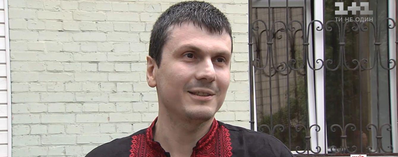 Адам Осмаев вышел из больницы после покушения и рвется в АТО