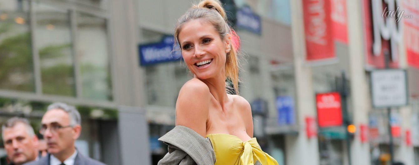 Тяжелый труд модели: Хайди Клум прогулялась по Нью-Йорку в невероятно пышном платье