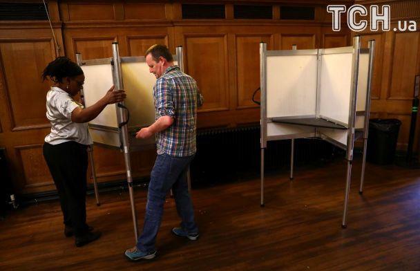 Выборы в Британии: консерваторы и лейбористы борются за кресла в парламенте