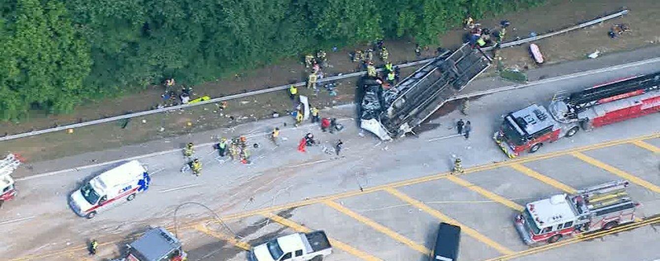 В США в результате ДТП с автобусом постражали десятки людей