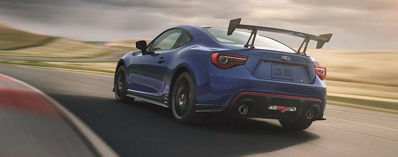 Subaru показала изображение трекового купе BRZ