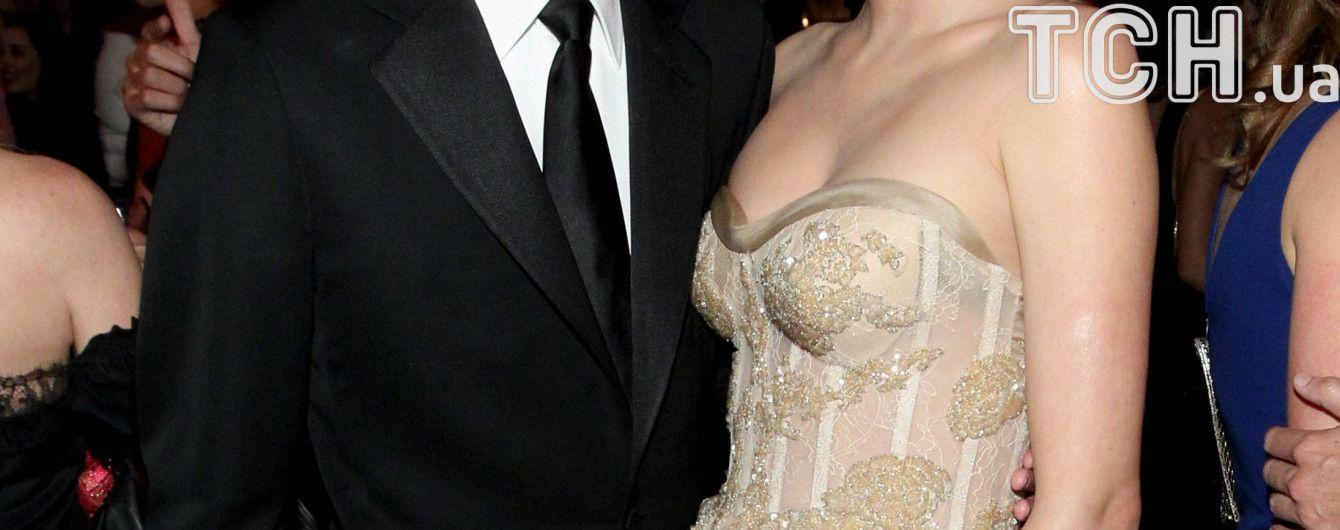 Миранда Керр похвасталась роскошным обручальным кольцом