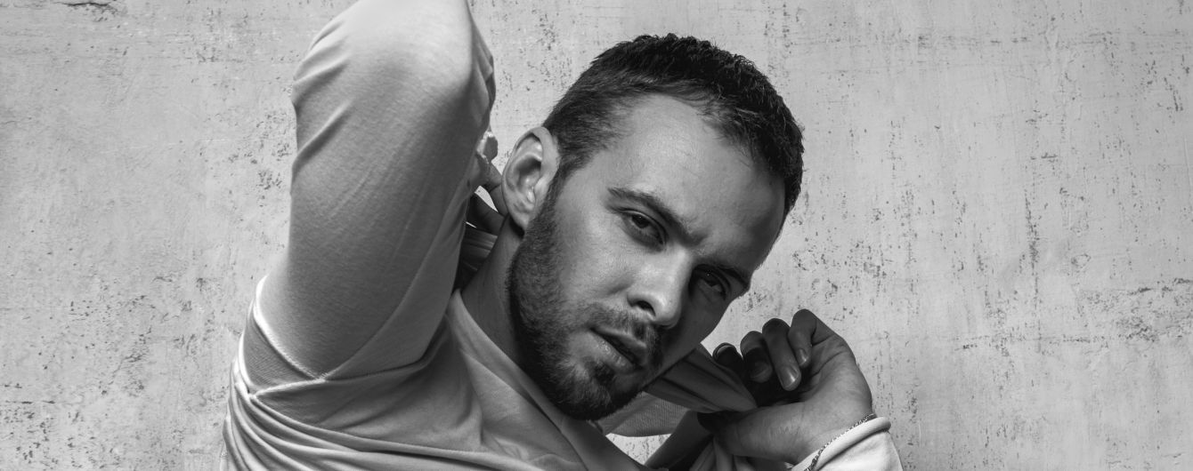 Сексуальный и загадочный: Макс Барских снялся в откровенной фотосессии для глянца