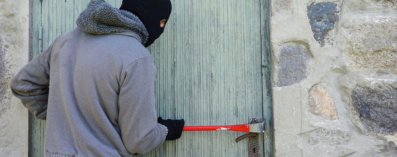 Поліція Житомира затримана грабіжників-рецидивістів