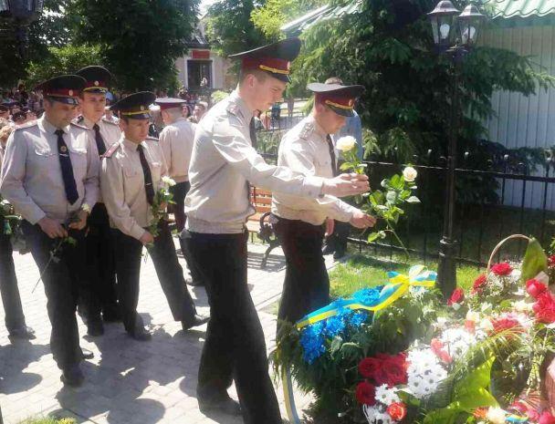 На Львівщині відкрили пам'ятник загиблим на Грибовицькому смітнику рятувальникам