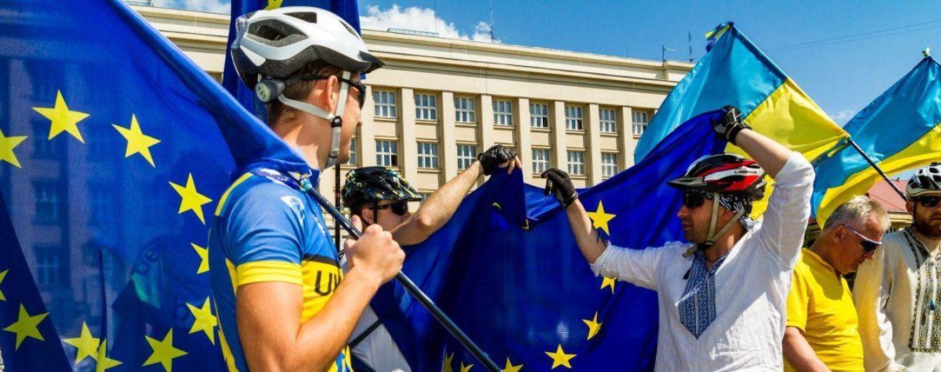 Шість днів безвізу: кордон з країнами ЄС без зайвої бюрократії перетнули майже 13 тис. українців