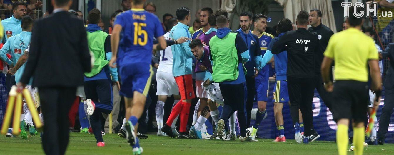 Тренер Боснії та Герцеговини вибив зуб гравцю збірної Греції у матчі відбору на ЧС-2018