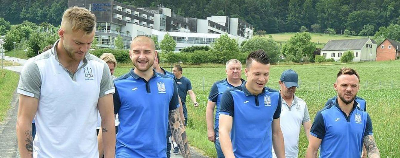 Сборная Украины прилетела в Финляндию на бой отбора к ЧМ-2018