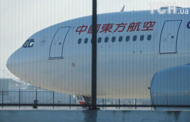 Лайнер с пассажирами приземлился в Сиднее из-за пробитого двигателя