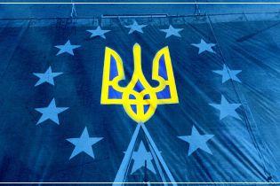 Ежедневно 20 тысяч украинцев получают биометрические паспорта, ажиотаж не спадает - ДМС