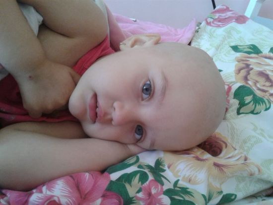 Допоможіть врятувати життя Полінки