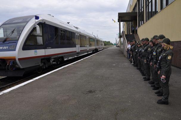 Таможенники оформили первых пассажиров рельсового автобуса Ковель-Хелм