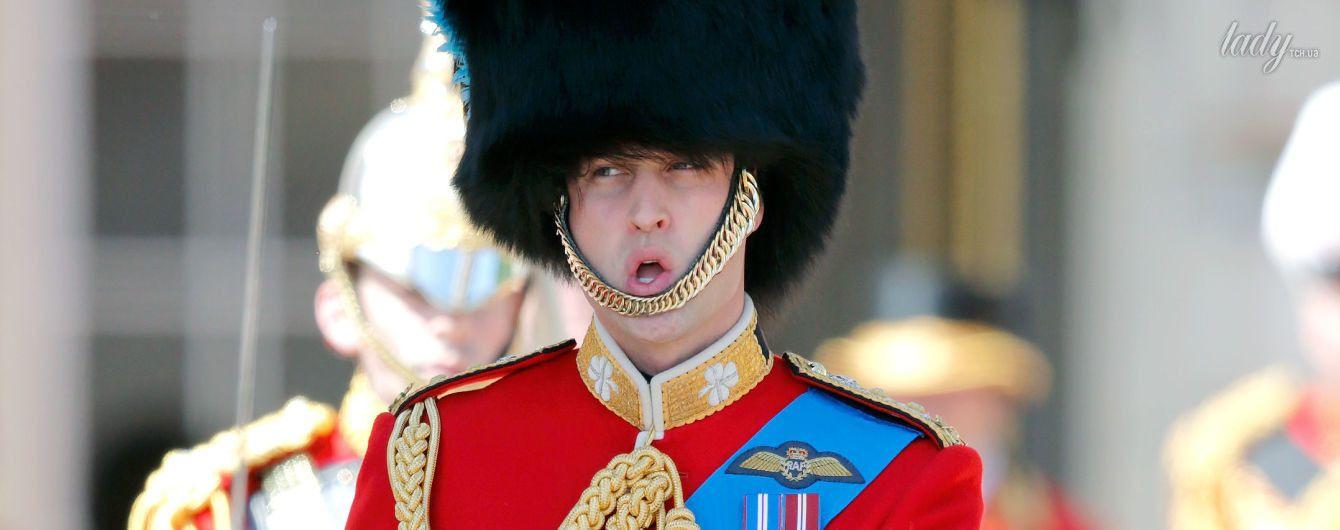 Веселый принц: Уильям на репетиции парада ко дню рождения королевы Елизаветы II