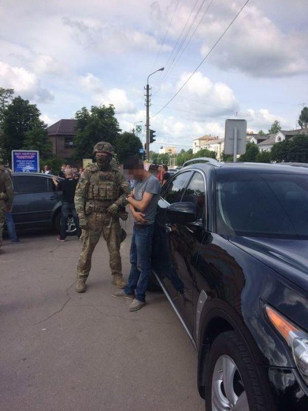 На Житомирщині СБУ спіймала бандитів, які хотіли підірвати стратегічний об'єкт
