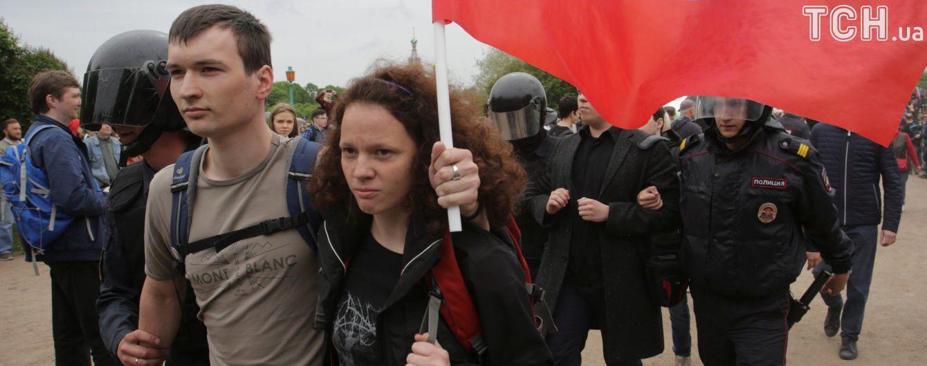 У російському МВС відзвітували про затриманих під час масштабних мітингів
