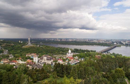 Середа в Україні буде прохолодною та з дощами. Прогноз погоди на 14 червня