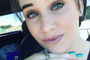 Двоє малюків загинули у розпеченій сонцем машині, поки мати розважалась із другом