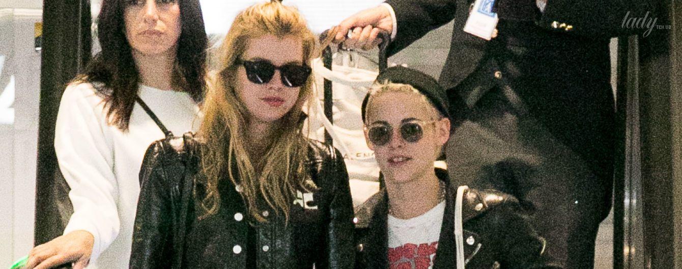 Попались: влюбленных Кристен Стюарт и Стеллу Максвелл подловили в аэропорту Парижа