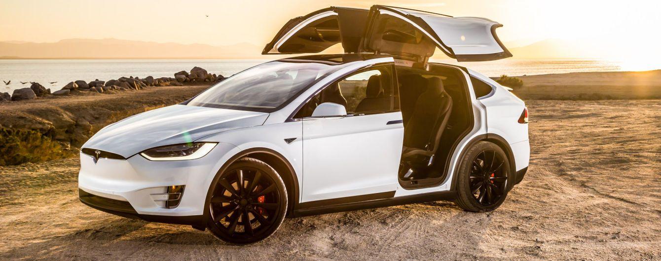 Американцы потребовали от Tesla полное возмещение стоимости кроссовера Model X