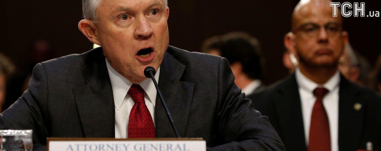 Генпрокурор США зізнався, що говорив із послом РФ про агресію Росії в Україні