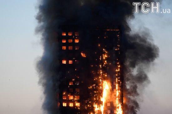 У Лондоні спалахнув 27-поверховий будинок, є потерпілі