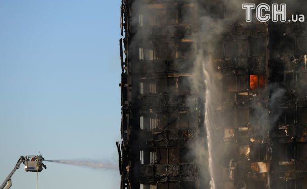 В центре Лондона масштабно горит жилой небоскреб. Опубликованы фото и видео