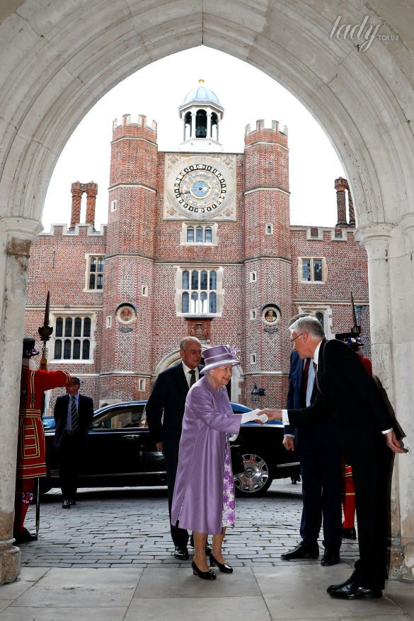 Королева Елизавета II_1